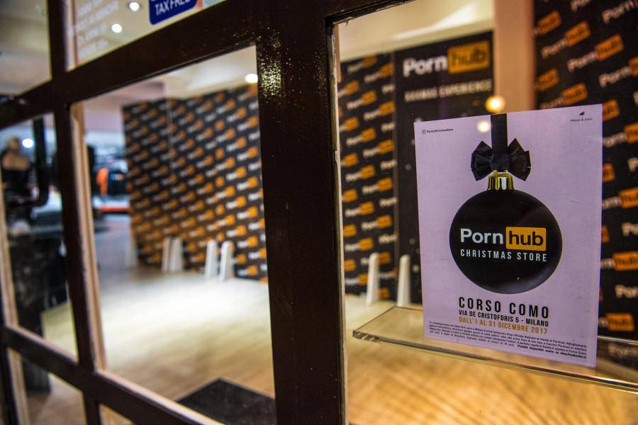 Apre a MILANO il Temporary Shop di PORNHUB